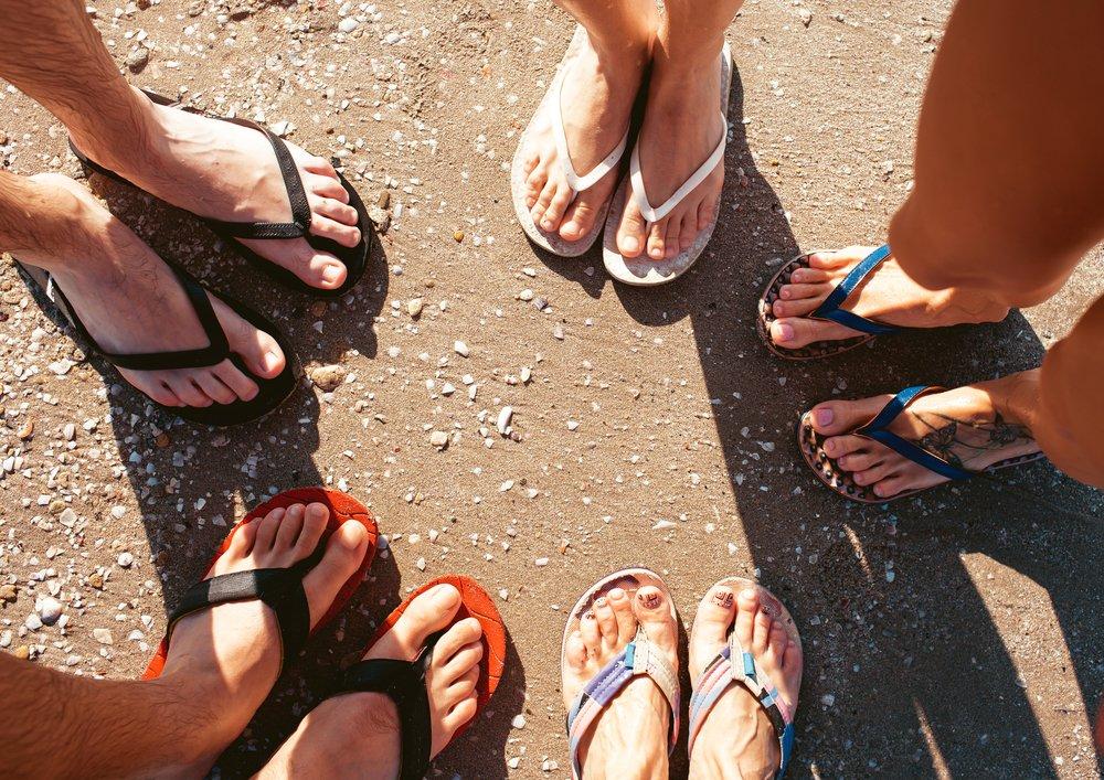 4bbd0515f5 Symbol léta  žabky. Plážová obuv