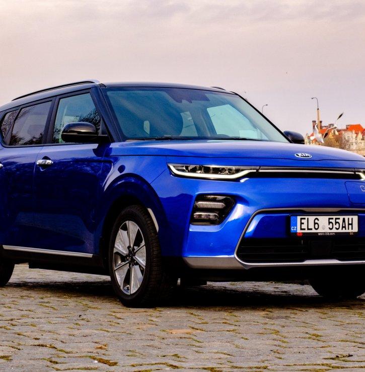 Kia e-Soul aneb Vůz, který svůj název nedostal náhodou. Překvapí především dynamickou jízdou a kvalitním soundsystémem