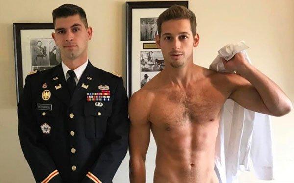 Gay sex videá v spodnom prádle
